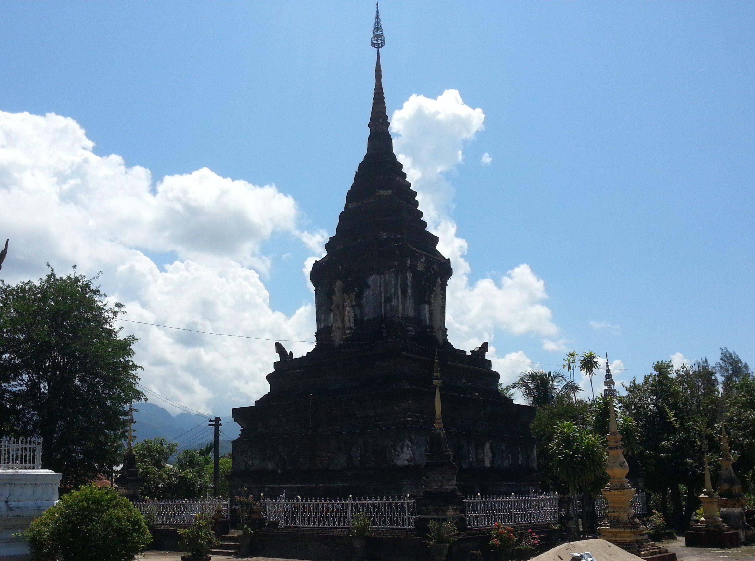 Stupa at Wat Mahathat