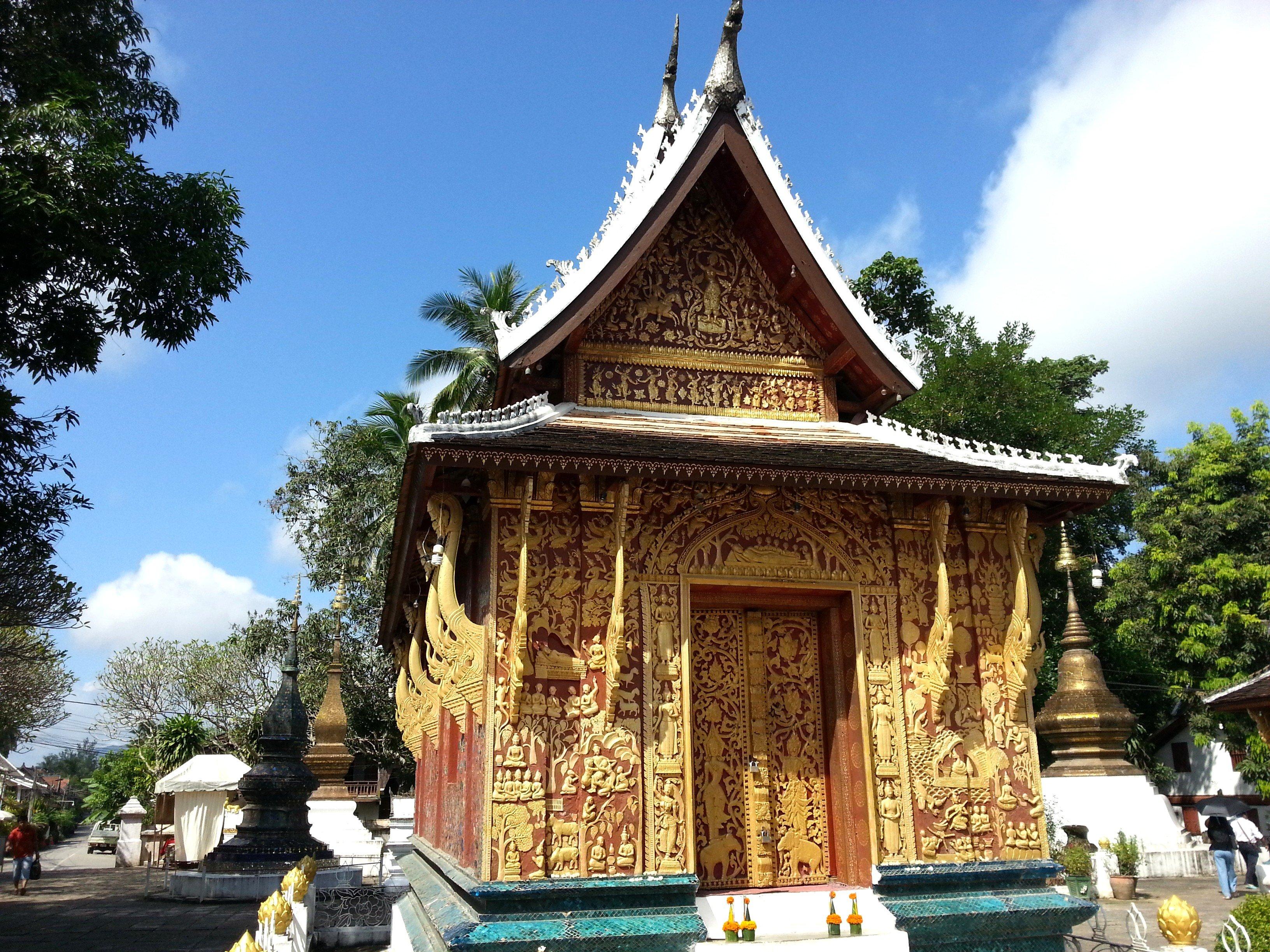 Chapel of the Standing Buddha at Wat Xieng Thong