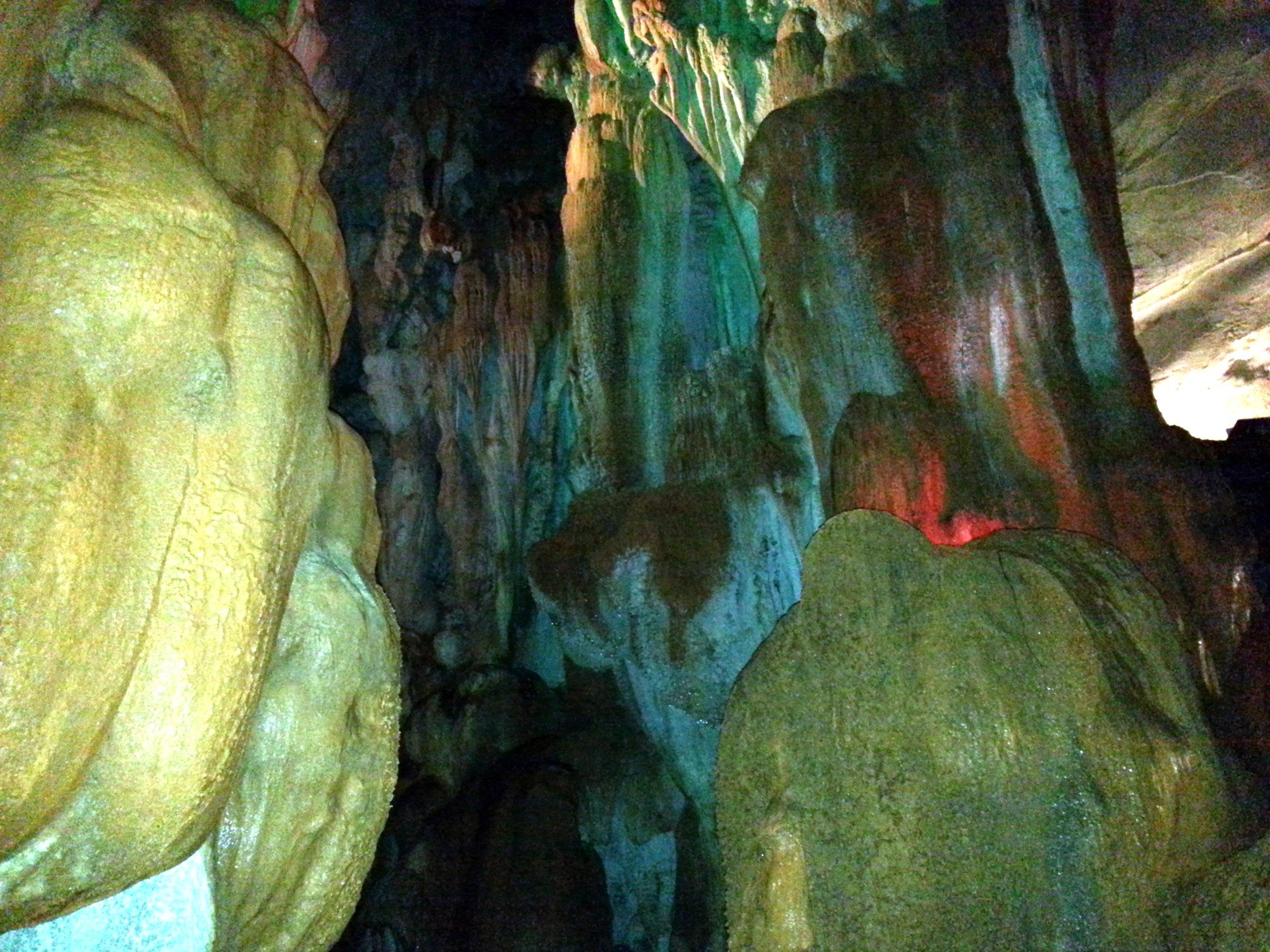 Stalactites and stalagmites in Tham Chang Cave