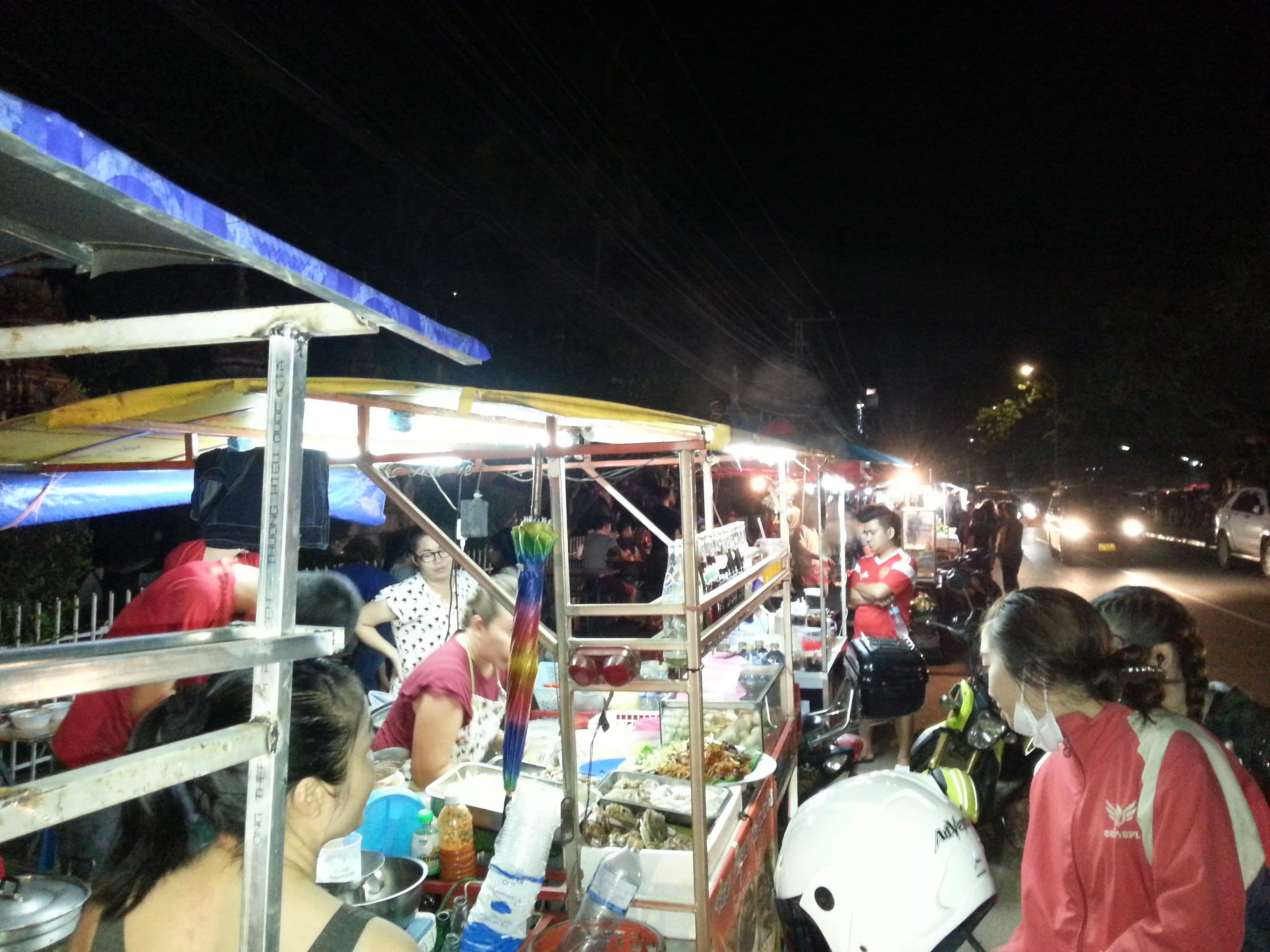 Foodstalls on the Quai Fa Ngum