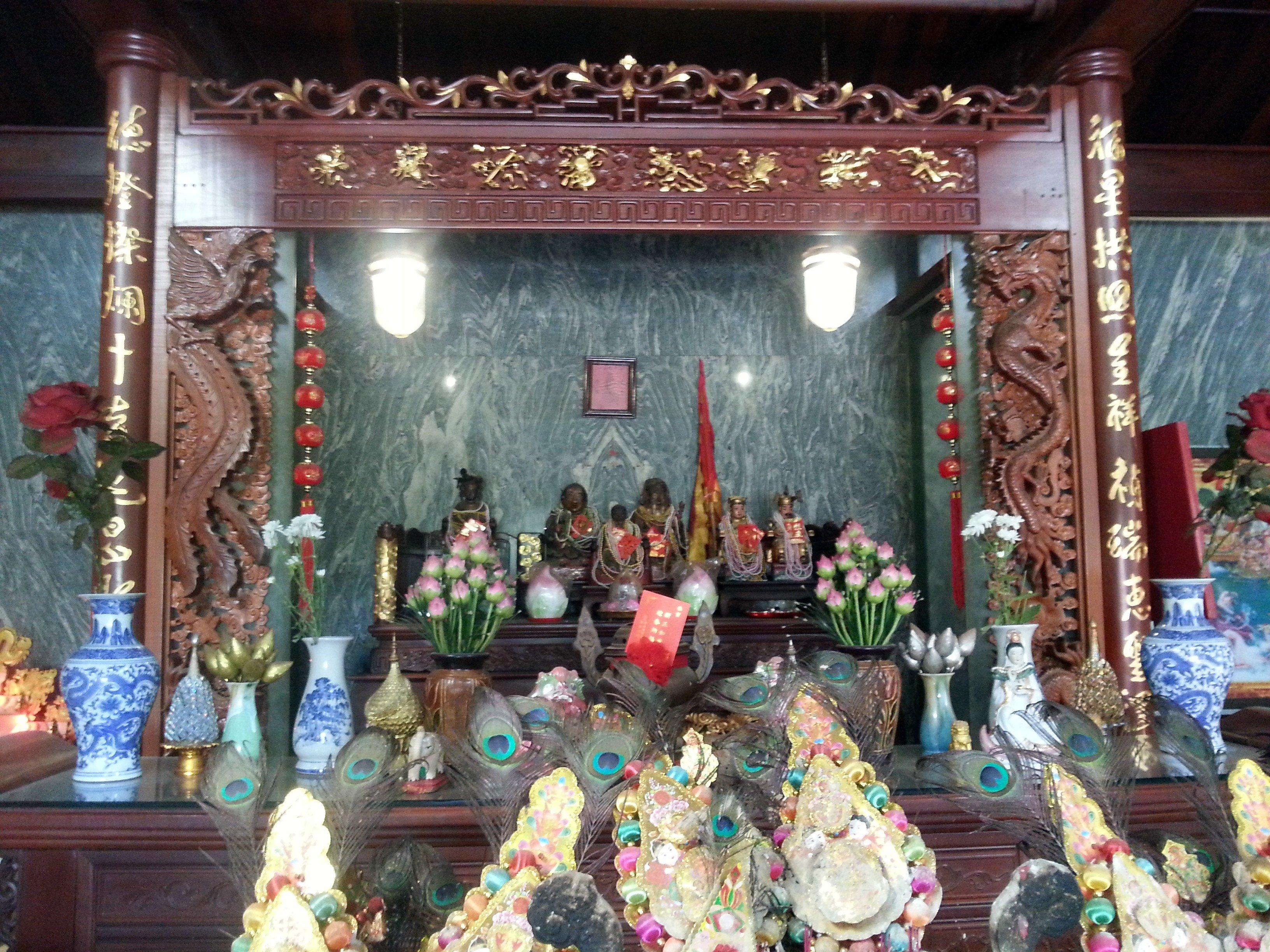 Altar at Fude Miao Temple in Vientiane