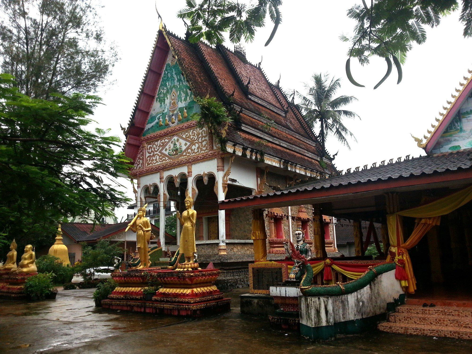 Ordination hall at Wat Kang